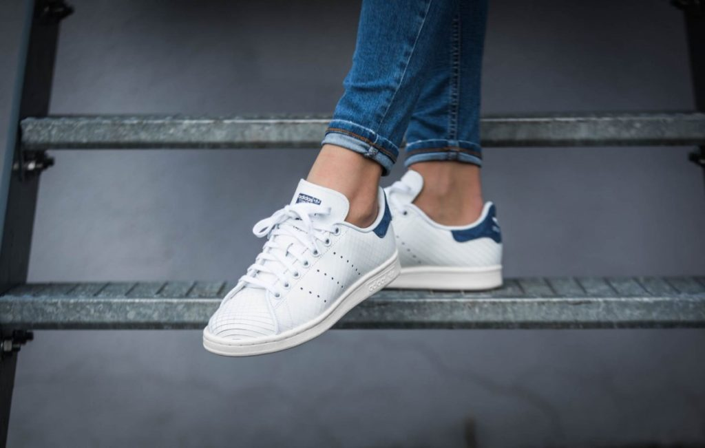 Entretien chaussures baskets blanches en cuir